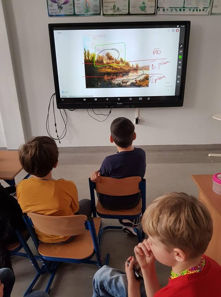 Ekran dotykowy w SP Edukacja