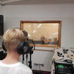 Uczeń SP Edukacja podczas śpiewu