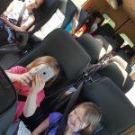 Dzieci z SP Edukacja w busie