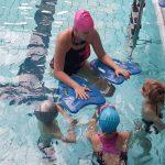 Nauka pływania uczniów podstawówki