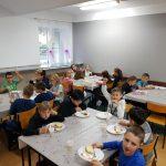 Śniadanie w SP Edukacja