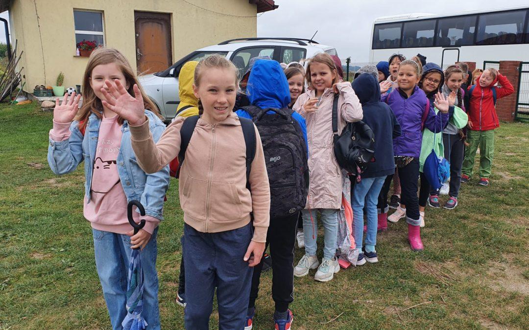 Młodsze klasy też wycieczkują!